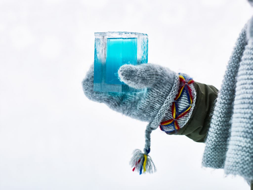 hans-olof_utsi-ice_bar_at_icehotel-5323