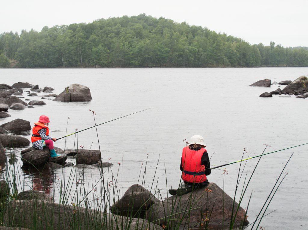 ulf_lundin-kids_fishing-1709