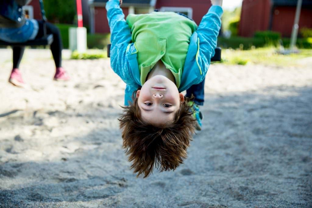 ann-sofi_rosenkvist-playing_child-4907