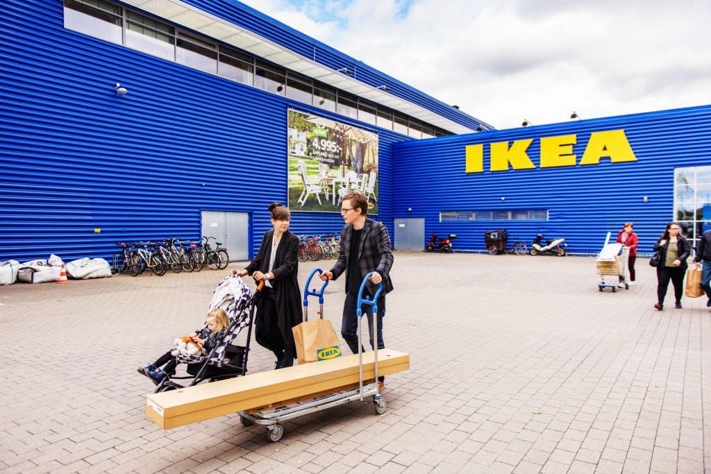 simon_paulin-shopping_at_ikea-4814