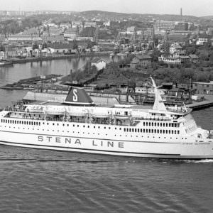 STENAOLYMPICA_PassingLindholmenGothenburg_summer1973-900×600 (1)